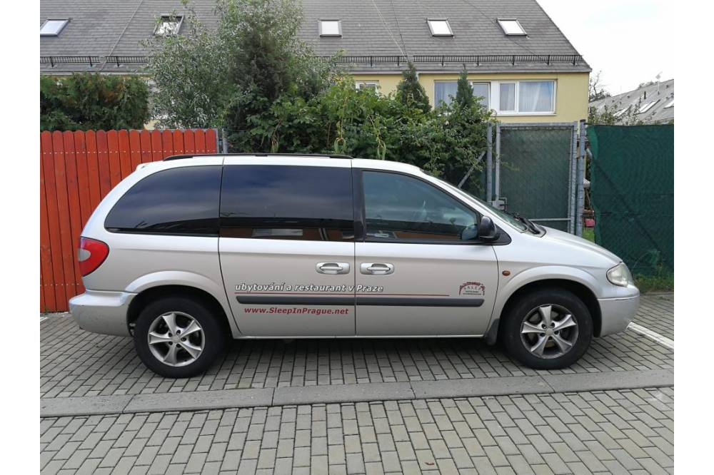 Car for rent - Chrysler Voyager, automat